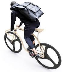 Le nouveau concept de la marque de mobilier Thonet: un vélo en bois